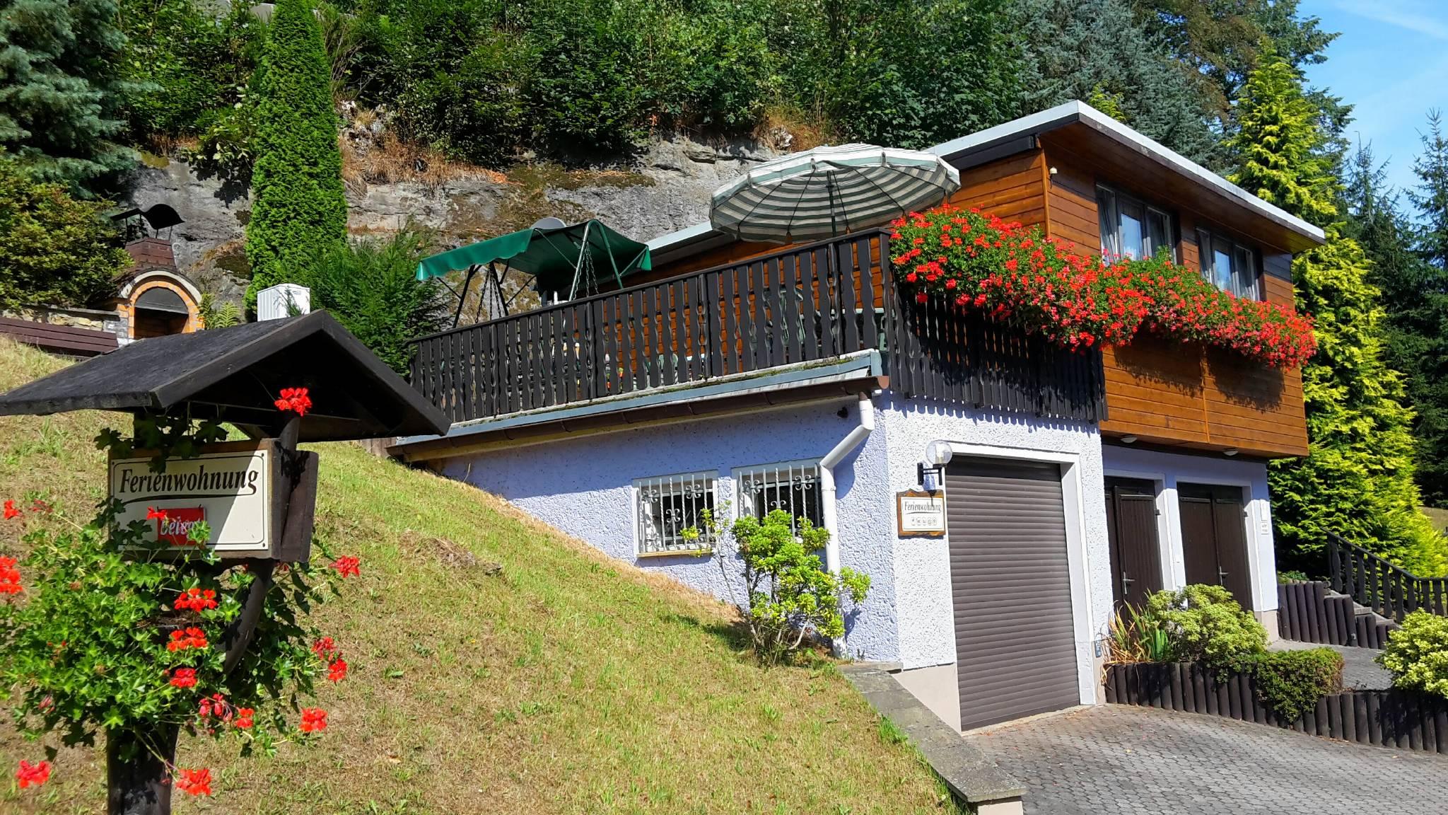 Ferienhaus mit Terrasse, Grill, Garage