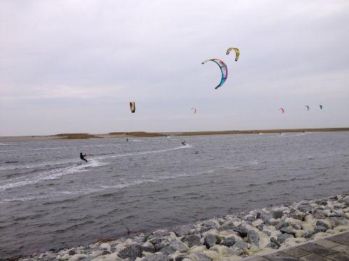Kitesurfen in der Perlebucht