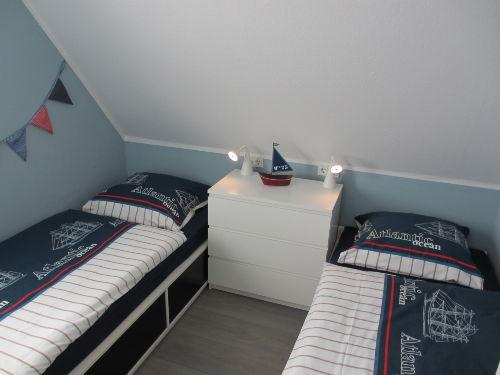 2.Schlafzimmer mit LCD-TV & DVD