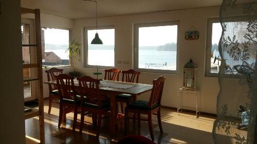 Sea Lounge mit Blick zum See