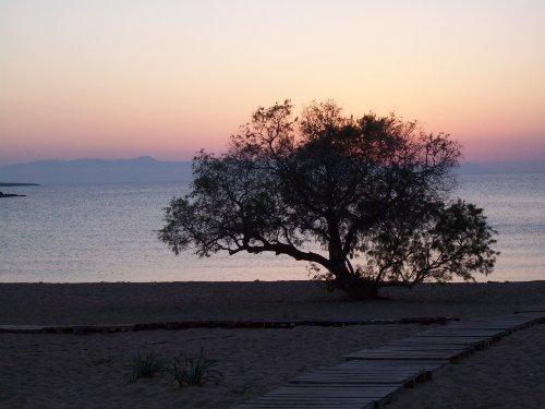 Der Strand von Kalathas am Abend