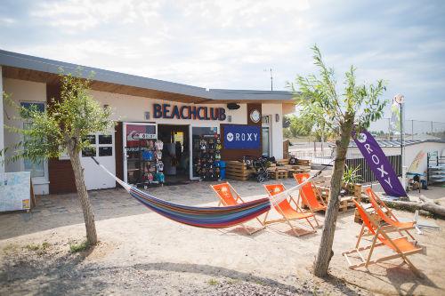 Wassersportbereich und Shop