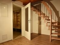 AUSFAHRT FREIBURG, Haus Pia: Wohnen auf vier Ebenen in Umkirch - kleines Detailbild