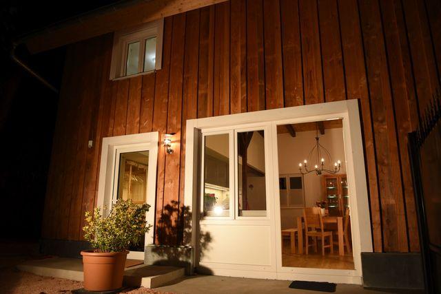 ausfahrt freiburg haus pia wohnen auf vier ebenen in. Black Bedroom Furniture Sets. Home Design Ideas