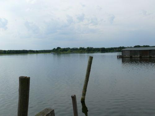viele Seen laden zum Baden ein