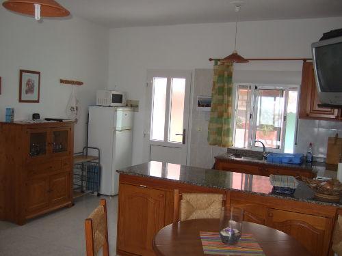 Küchenbereich und Hauseingang