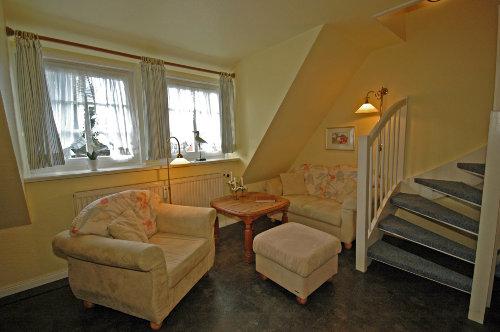 Wohnzimmer - Blick auf Sitzgruppe
