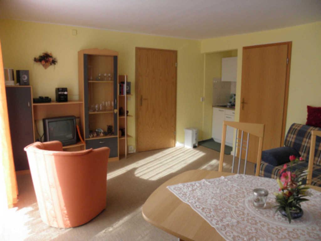 Nass, Hedwig, Nr. 1 (2- Raum Apartment)