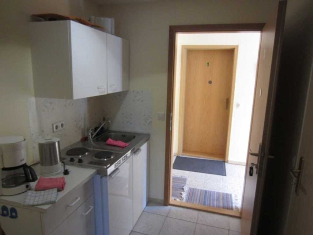 Nass, Hedwig, Nr. 3 (1- Raum Apartment)