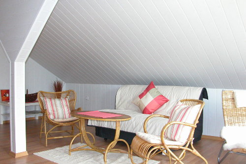 Dachzimmer in mediterranem Stil