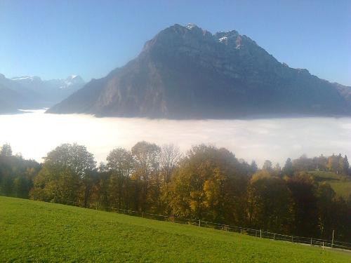 hoch über dem Nebel im Ennetbergli