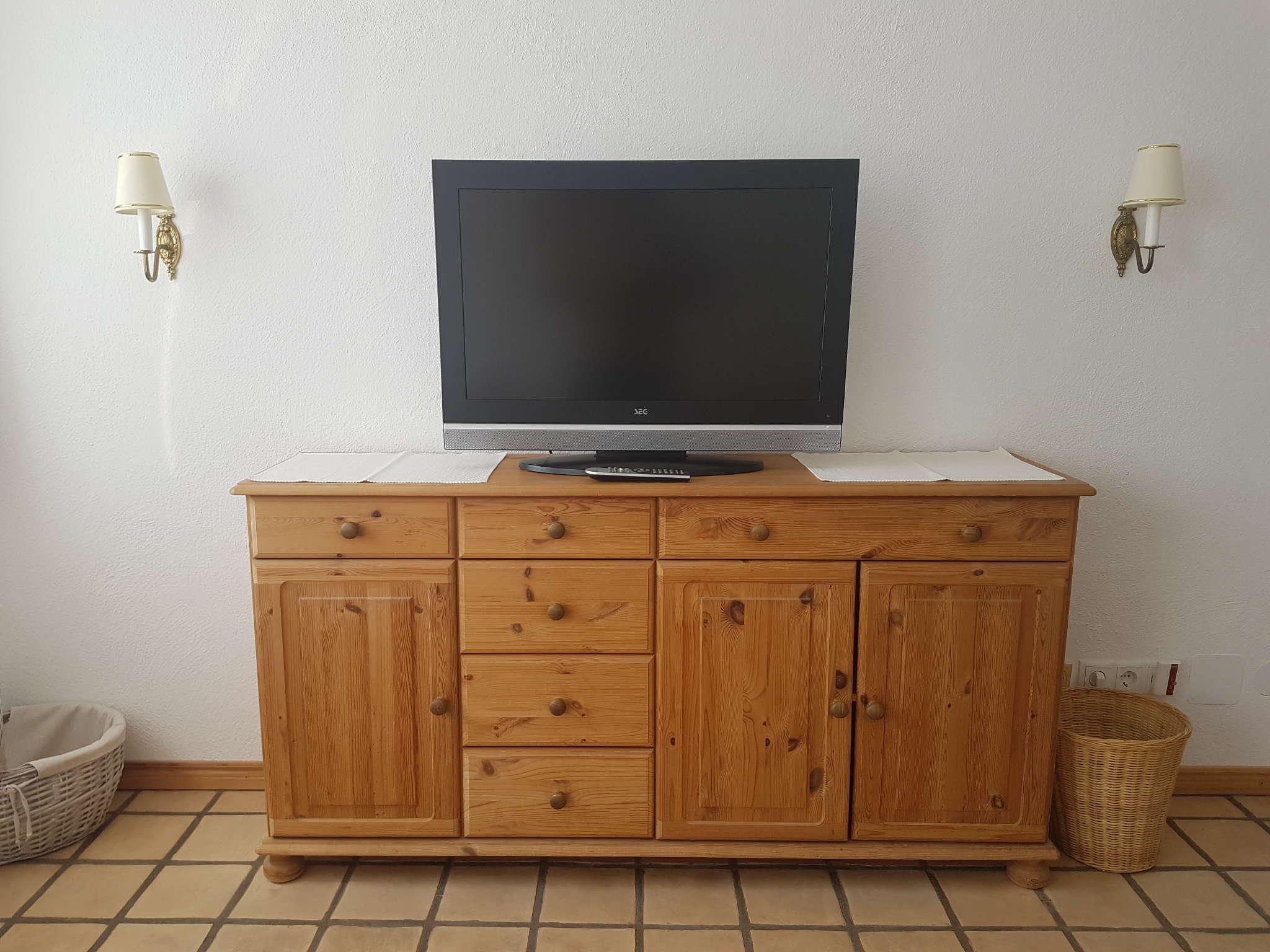 App. 3 Wohnzimmer mit Kabel- TV