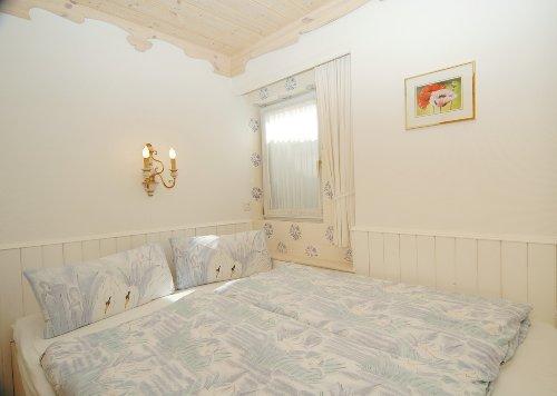 App. 7 Schlafzimmer mit Himmelbett