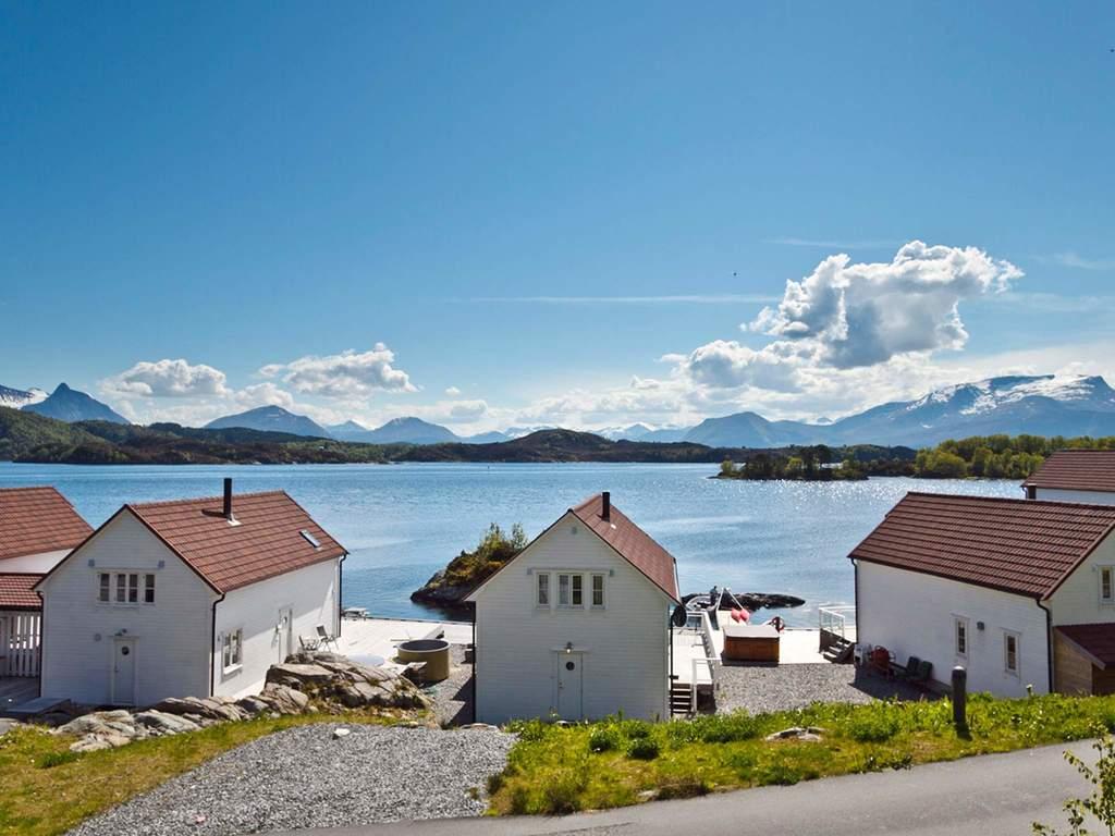 Zusatzbild Nr. 01 von Ferienhaus No. 33190 in Gurskøy