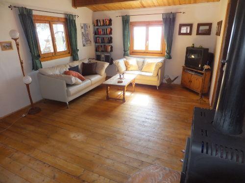 Das ger�umige und behagliche Wohnzimmer