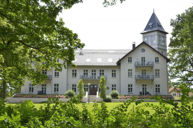 Jagdschloss Hohen Niendorf 18, Jagdschloss Hohen N