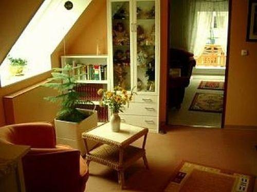 Wohndiele mit Blick in das Wohnzimmer