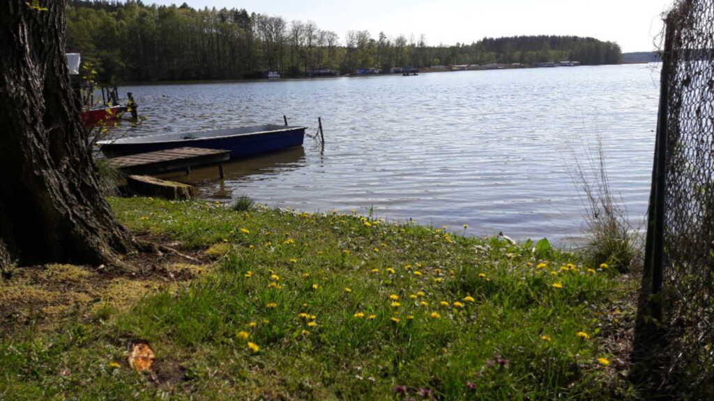 FH 'Josephine'direkt am See mit Boot und Kamin (Pl