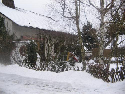 Hausansicht im Winter (Seite)