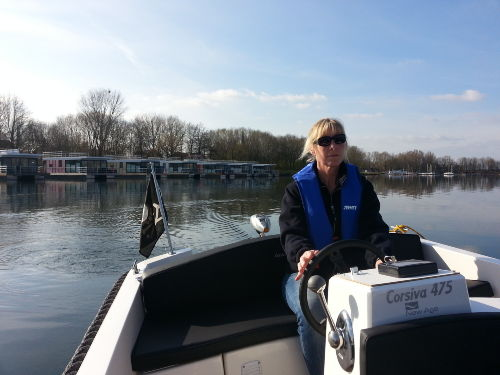 Elektrobootfahren macht Spa�