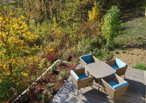 Terrasse mit Blick zum Naturschutzhang