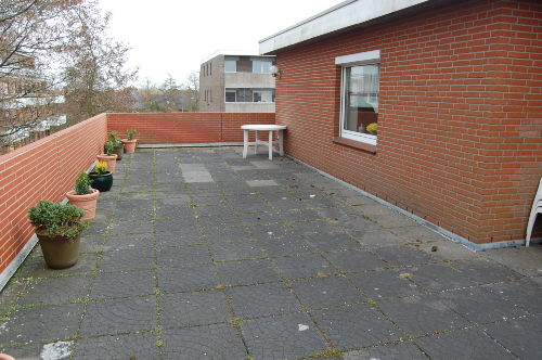 Dachterrasse mit Blick zum Dorf und Siel