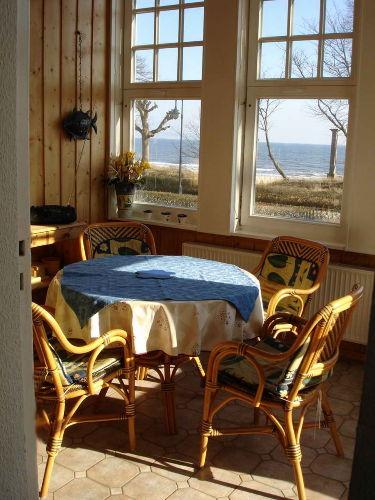 ferienwohnung seepferdchen in ostseebad binz mecklenburg. Black Bedroom Furniture Sets. Home Design Ideas