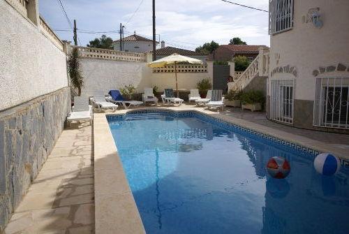 10 x 4 m, eine von 2 Pool Terrassen