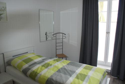 Schlafzimmer II mit Balkonzugang