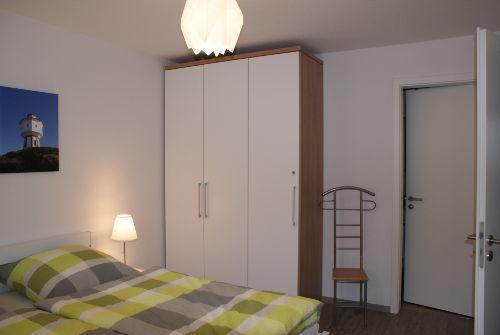 Schlafzimmer I mit angrenzendem Bad