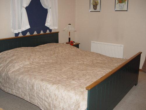 2. Schlafzimmer unten