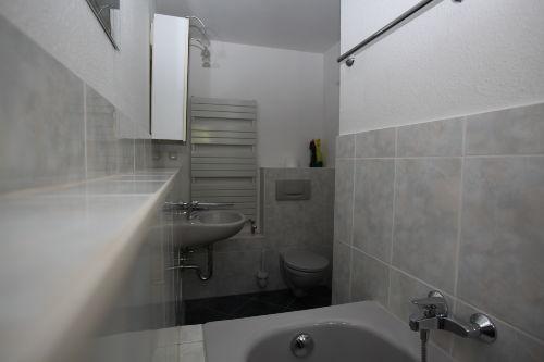 FEWO Erdgeschoss - Bad mit Wanne