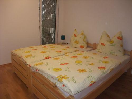Schlafzimmer 1 OG 2 Zimmer Wo