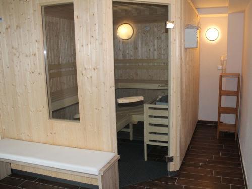Sauna im Erdgeschoss