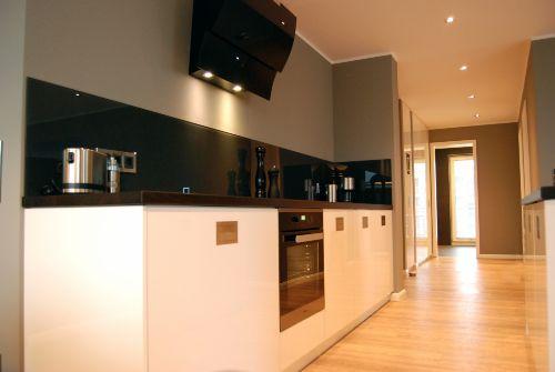 Küche und Flurbereich