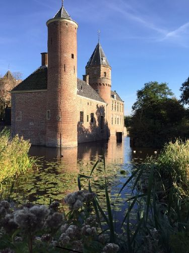 kasteel westhoeve - jetzt ein hostel