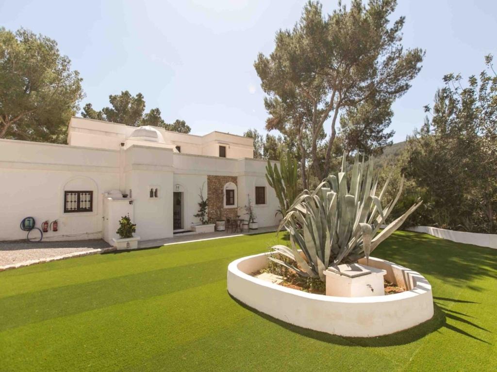 Ibiza style villa 250