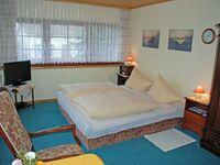 Ferienhaus und -appartement am Streler Sund, Ferienappartement 'Ines' unterm Reetdach*** - Fam. Gloe in Altef�hr auf R�gen - kleines Detailbild