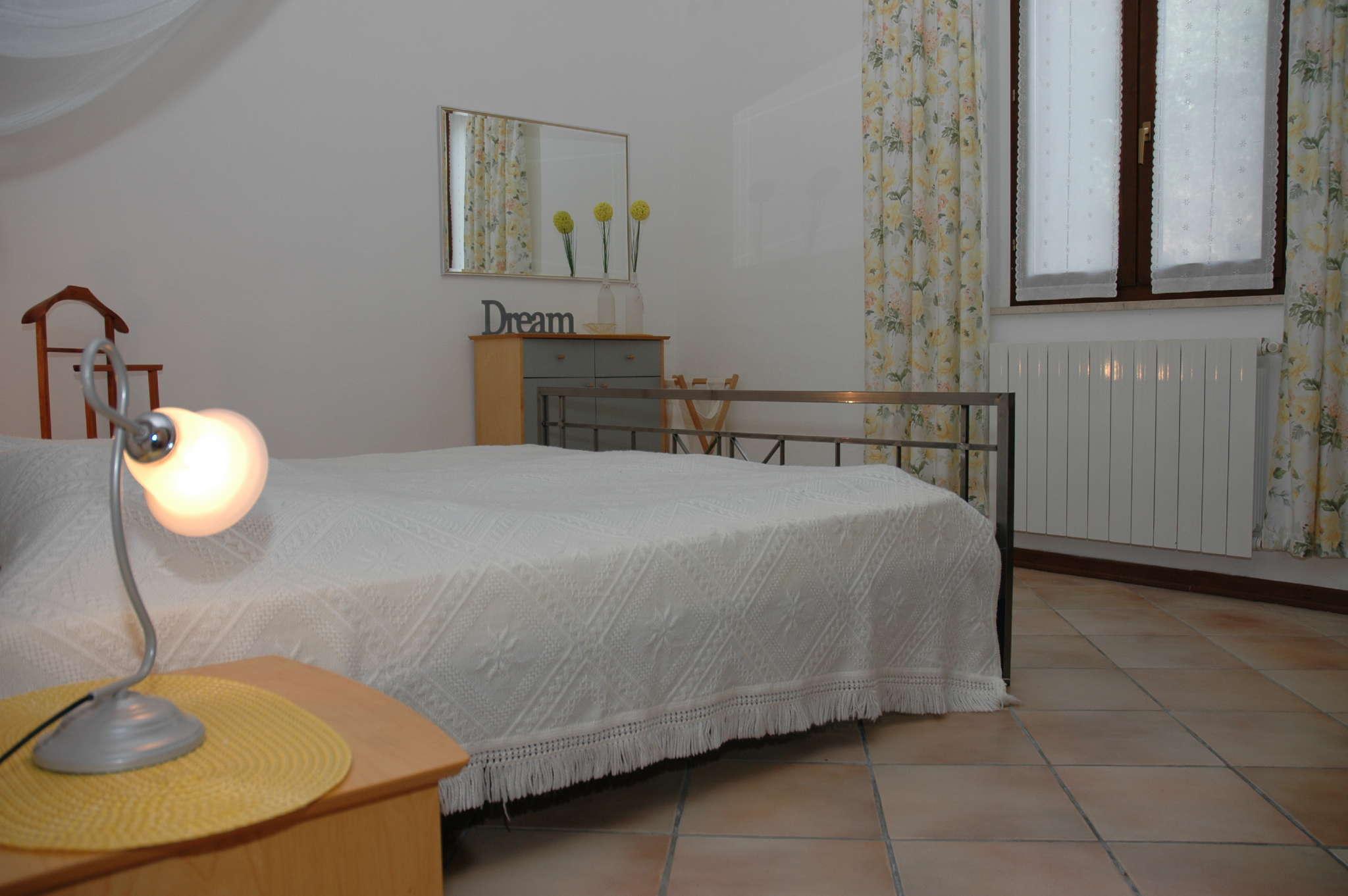 Großes Schlafzimmer, ca. 17 qm