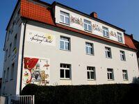 Spielzeughotel und Gästehaus, Doppelzimmer mit Schlafsofa in Sonneberg - kleines Detailbild