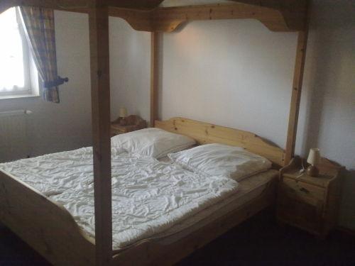 Gro�es Doppelbett