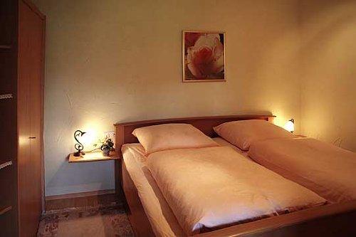 Schlafzimmer inclusive Bettwäsche