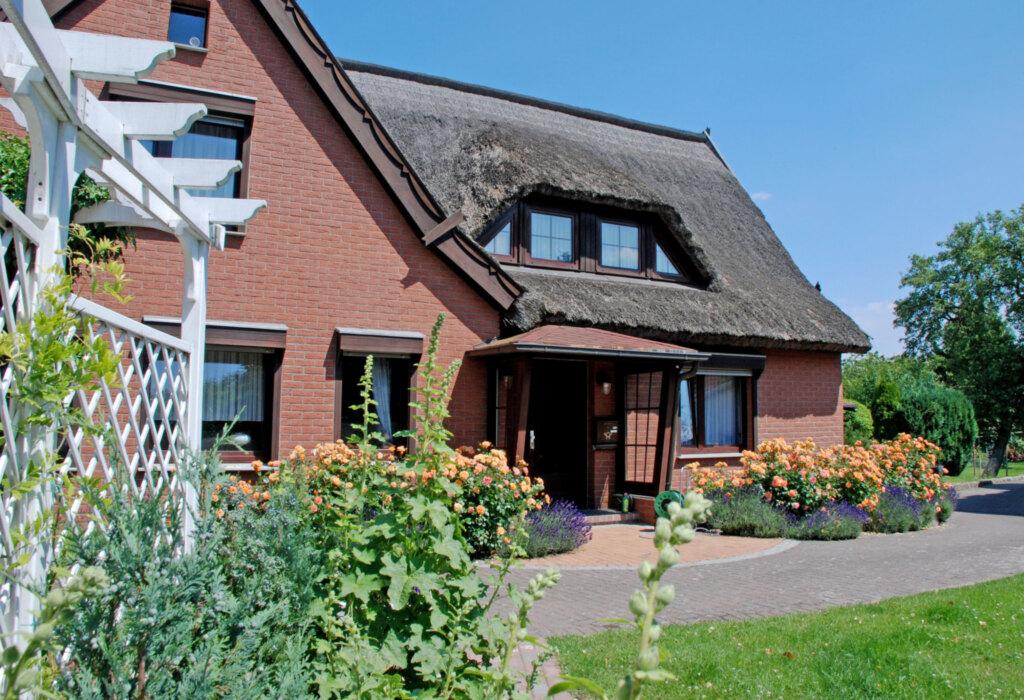 DEB 031 exklusives Ferienhaus unterm Reetdach, ex
