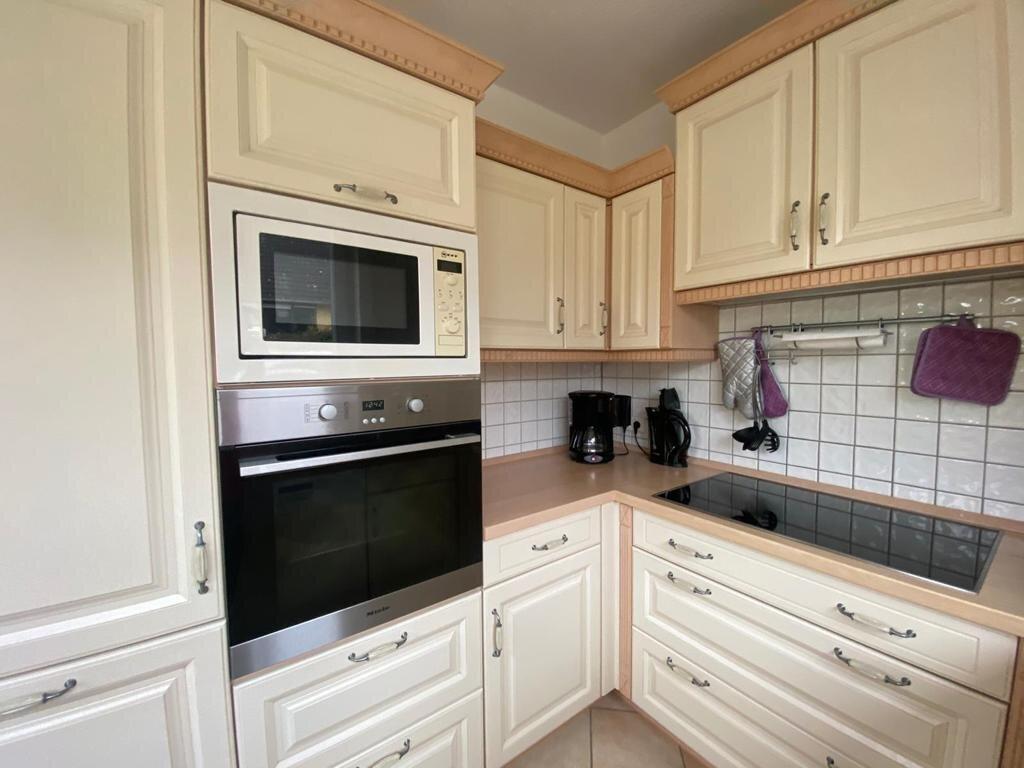 Küchenausschnitt Backofen, Mikrowelle