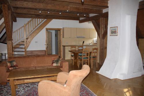 Studiowohnung mit Aufgang zum Schlafzimm