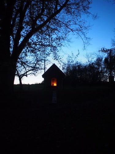 Hofeigene Kapelle vor der M�hle