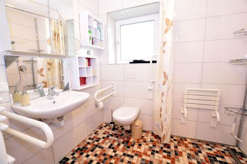 rolligerechte Dusche & WC