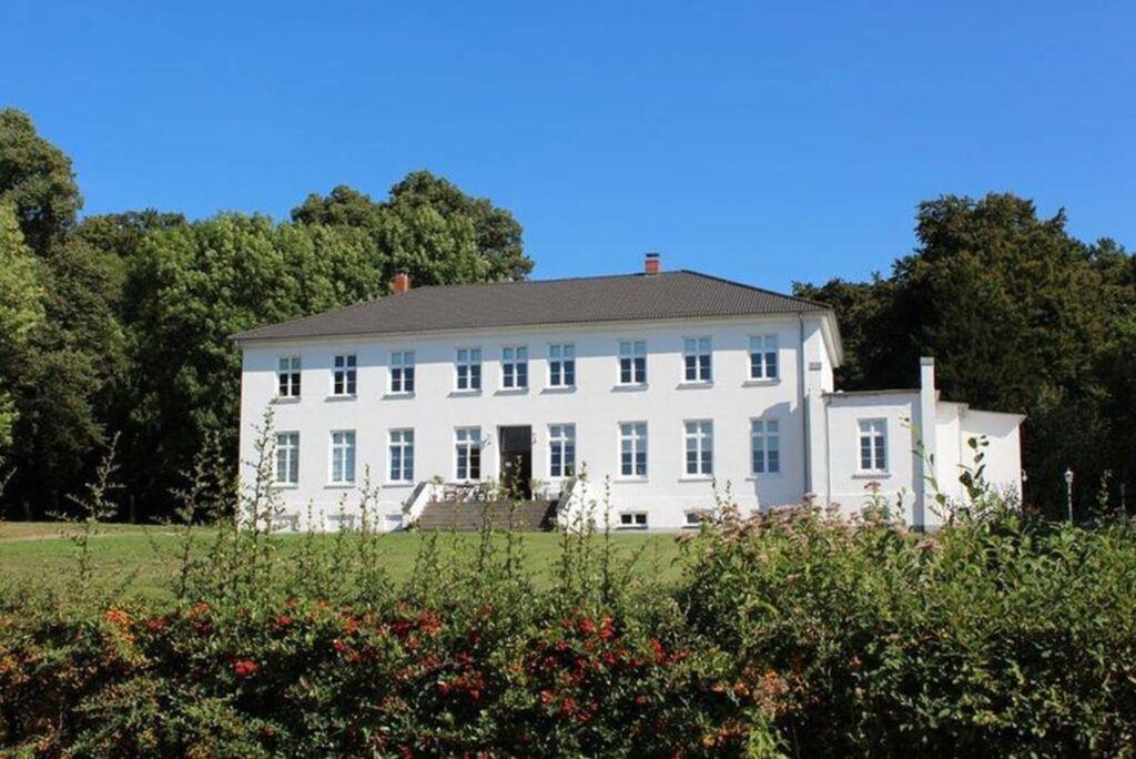 F 822 Gutshof und Ferienpark, 2-Raum-Bungalow 2 Pe