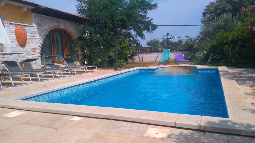 Rustic Villa mit Pool, Ferienhaus
