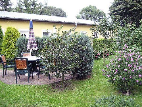 Sitzecke in der Gartenanlage